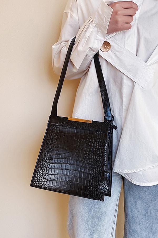 시크걸 칼각라인 금장포인트 숄더백 (블랙,커피,브라운)S200108S016