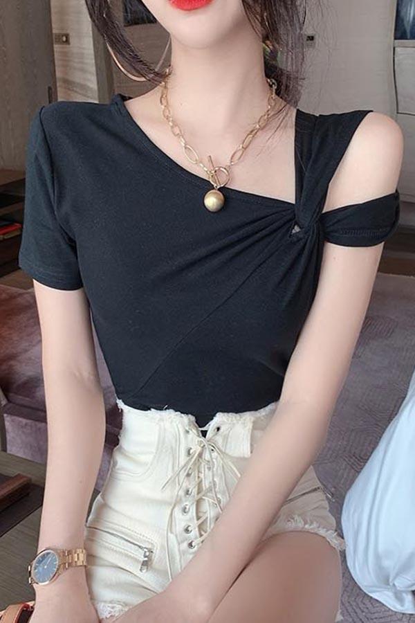 포인트숄더 셔링꼬임 섹시러블 여성 탑 (블랙,화이트)S200424S013