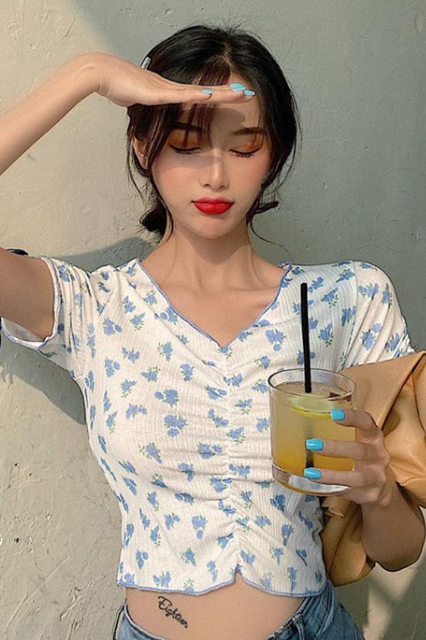 통통 핫걸 숄더 스트랩포인트 플라워 크롭셔링 티셔츠 (블루,레드)S200521N009TOP