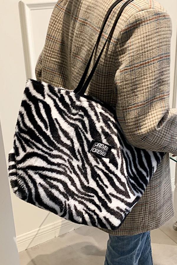 포에버 데일리 귀여운 캐주얼 패턴 소프트퍼 빅 대용량 스퀘어 숄더백 (지브라,레오파드,밀크카우,플라워)S211013J017BAG