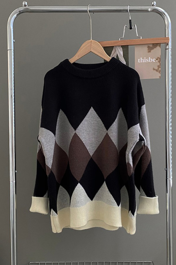 고요한밤 다이아 배색 크루넥 긴소매 롱슬리브 니트 스웨터 탑 (블랙,베이지,아이보리그린)S211014J001TOP